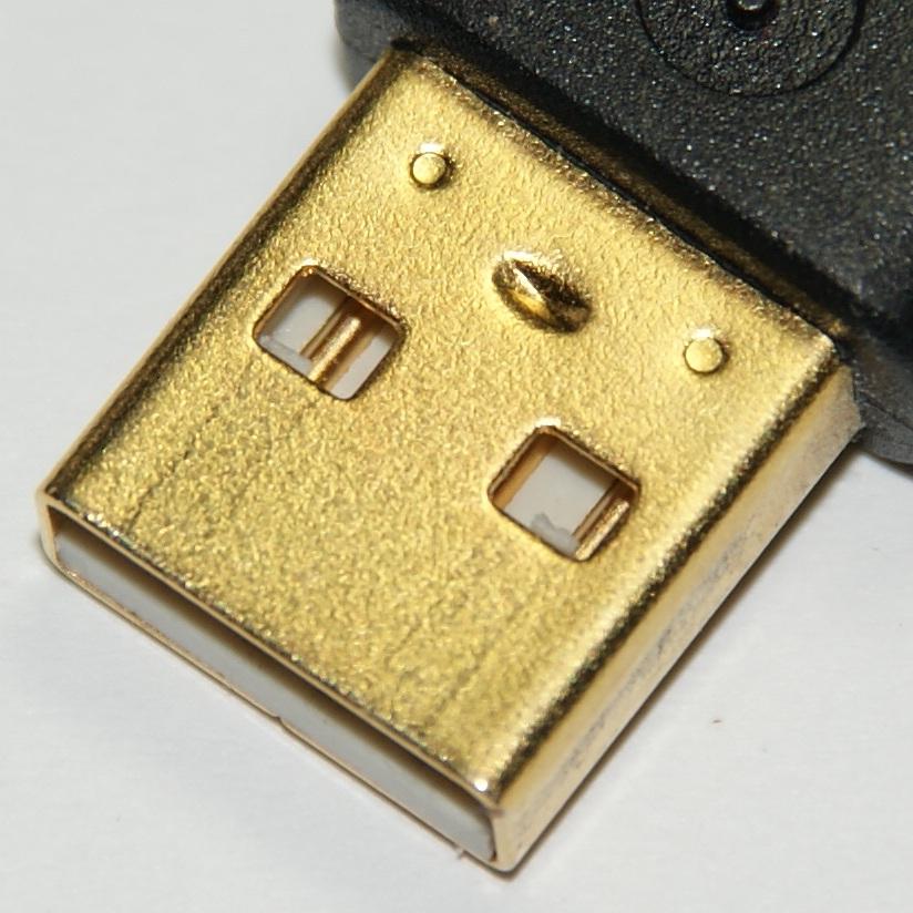 Очень тонкий слой золота на USB разъёме.