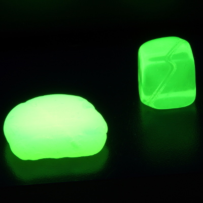 Uranium glass UV